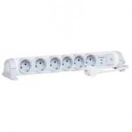 Multi-outlet extension for comfort/safety - 6x2P+E + voltage surge protector - 1.5 m cord Legrand 69465